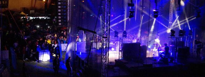 """Grupa """"Boys"""" na festiwalowej scenie"""